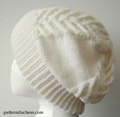 Cable knit slouchy hat with brim