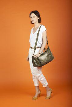 - Antoinette Ameska -  Sac Canberra en cuir Kaki et imprimé python  #antoinetteameska #bigbag #bag  #femme #création