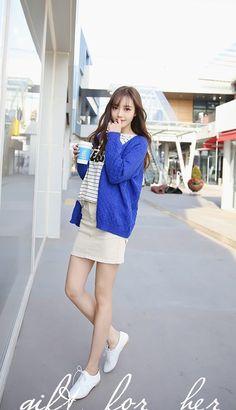Modern Aprons, Korean Girl Fashion, Korean Model, Kawaii Fashion, Fashion Outfits, Womens Fashion, Sexy Legs, Beautiful Women, Beautiful Legs
