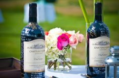 Guest book...just make sure you spray with clear coat after to prevent smudges! #wedding #guestbook #wine #winebottle #weddingflowers #weddingguestbook #diywedding #upcycle   Photo credit: Peter Jonathan Images (http://www.peterjonathanimages.com)