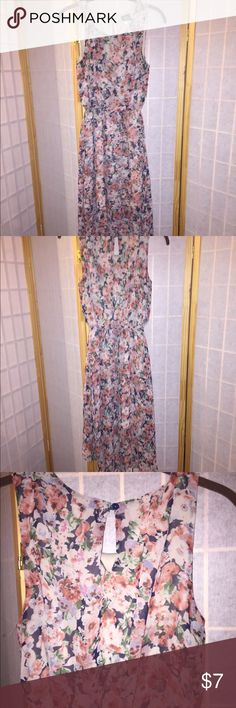 Floral dress Floral fun dress in good condition size s bobeau Dresses