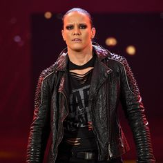 The must-see images of Raw, Sept. 27, 2021: photos Shayna Baszler, Red Leather, Leather Jacket, See Images, Superstar, Punk, Jackets, Photos, Style