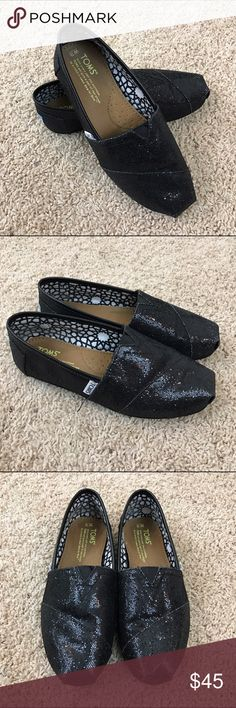 NWOT TOMS Classics Black Glitter Women's Shoes 7.5 NWOT! TOMS Classics Black Glitter Women's Shoes 7.5. Glitter outside, canvas upper. Comfortable EVA insole.Imported. No box. TOMS Shoes Flats & Loafers