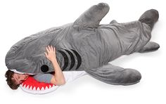 It's a sleeping bag. It's a shark. It's a shark sleeping bag! Best Sleeping Bag, Sleeping Bags, Sleeping Animals, Just In Case, Just For You, Materiel Camping, Geek Toys, Shark Week, Akita