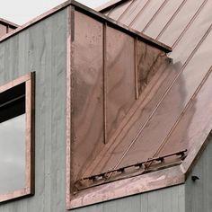 Bois gris-vert et cuivre rose saumon  // #MenziBurgler #Architecte