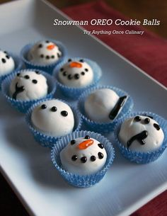 Snowman OREO Cookie Balls- cute but kinda creepy since they are pieces of Frosty the Snowman Lol:)