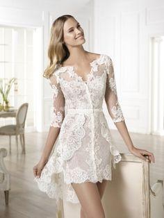 Arriesgá en tu look de novia con un vestido corto