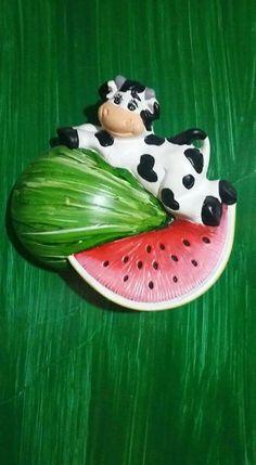 Animal Decor, Farm Animals, Biscuit, Watermelon, Cold, Atelier, Dibujo, Ceramic Tile Crafts, Cows