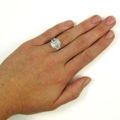 Harry Winston 5.65 Carat GIA Certified Emerald Cut Diamond Platinum... (€220.375) ❤ liked on Polyvore featuring jewelry, rings, american jewelry, harry winston jewelry, emerald cut ring, american diamond jewellery and american diamond rings