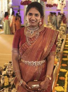 Model showcasing three layers diamond emerald long chain and vaddanm from Manjula jewels Indian Gold Jewellery Design, Indian Wedding Jewelry, Indian Bridal, Designer Jewellery, Diamond Jewellery, Indian Jewelry, Indian Dresses, Indian Outfits, Bridal Silk Saree