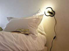 Scopri Applique Sticky Lamps -adesiva, Trasparente di Droog Design - Pop Corn, Made In Design Italia