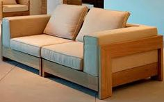 Resultado de imagem para moveis conceito Wood Sofa, Couch Furniture, Living Room Furniture, Furniture Design, Pallet Lounge, Pallet Couch, Wooden Sofa Designs, Diy Sofa, Best Sofa