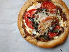 tomato, goat cheese and caramelized onion tarts