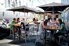 The best rooftop bars in Toronto- (Drake SkyYard) Outdoor Restaurant Design, Restaurant Patio, Restaurant Ideas, Rooftop Patio, Backyard Patio, Inexpensive Patio, Outdoor Seating, Outdoor Decor, Best Rooftop Bars