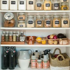When it comes to pantry organization, it?s out with the old and in with the new with these tips from Apartment Therapy guaranteed to tidy up your space. Start by tossing out any snacks that are passed their prime. Then, keep all your favorite goodies in Van Organisation, Kitchen Organization, Organization Hacks, Food Pantry Organizing, Organizational Goals, Pantry Storage, Kitchen Storage, Pantry Baskets, Mason Jar Storage