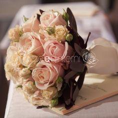 rosa e marrone Wedding Bouquets, Bride, Cake, Ethnic Recipes, Flowers, Desserts, Food, Ideas, Design