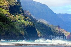 Angry sea on the Na Pali Coast in Hawaii on the island of Kauai. The rugged coastline of the Na Pali Coast is breathtaking. Hawaii Landscape, Kauai, River, Sea, Outdoor, Outdoors, The Ocean, Ocean, Outdoor Games