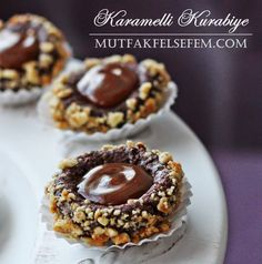 MUTFAK FELSEFEM: Karamelli Kurabiye Sweet Cookies, Cake Cookies, Macarons, Cookie Recipes, Tart, Cereal, Food And Drink, Cooking, Breakfast