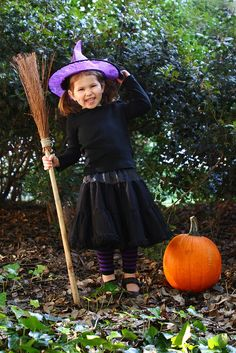Cute Witch, Halloween, Child Photography, ©Misty Exnicios