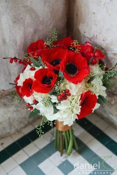 Red and Black Wedding Bouquet...so pretty accents of seeded eucalyptus orlando…