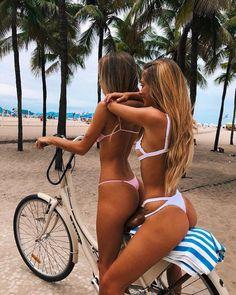 Sexy Girls in Bikinis - Barnorama Bikini Babes, Bikini Girls, Thong Bikini, Bikini Models, These Girls, Hot Girls, Live Girls, Sweet Girls, Circulation Sanguine