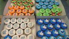 Social Networking Cupcakes   Flickr - Photo Sharing!