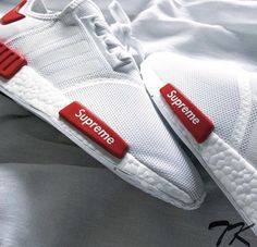 Adidas Supreme limited Edition NMDR1