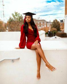Nursing Graduation Pictures, Graduation Look, College Graduation Pictures, Graduation Picture Poses, Graduation Portraits, Graduation Photography, Graduation Photoshoot, Grad Pics, Grad Pictures