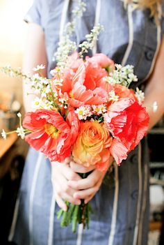 Thoroughly smitten with this bright, garden-fresh bouquet.
