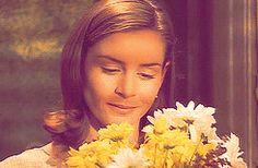 Miss Honey (Embeth Davidtz) - Matilda Miss Honey Matilda, My Beauty, Beautiful People, Eye Candy, Lady, Films, Movies, Awakening, Style Ideas