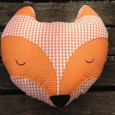 Coussin renard en coton orange : Textiles et tapis par maman-cactus