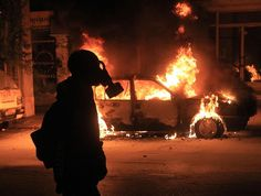 Fiery riots in Greece go into the night - PhotoBlog