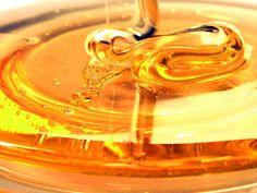 E'stato così chiamato, Elvish, il miele degli Elfi, questo particolare miele, costosissimo, perchè estratto da una caverna profonda 1.800 metri in Turchia,