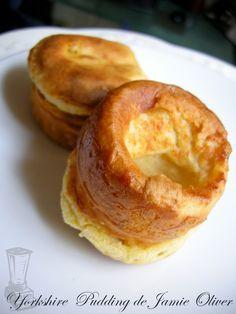 Recette Jamie Oliver et ses Yorkshire Pudding par Food box. These yorkies rock, Keva xo.
