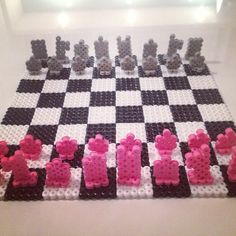 3D Chess board perler beads... This might be the nerd in me but I think this is so freaking cool