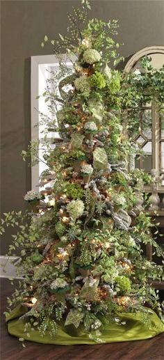 green hydrangea christmas tree     inspirationlane.tumblr.com