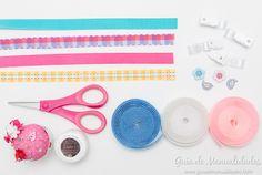 Hazle unos bonitos y originales chupeteros DIY a tu bebé... con esta fácil idea prepararás una colección de ellos ¡en minutos!