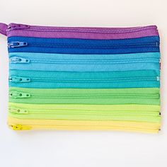 Zippered Rainbow Wristlet   AllFreeSewing.com This is so cool, can't wait to try this!!