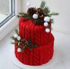 Chirstmas Cake 🍰 💅🏻 shared by Naina on We Heart It Chrismas Cake, Christmas Themed Cake, Christmas Cake Designs, Christmas Sweets, Christmas Baking, Creative Cake Decorating, Cake Decorating Techniques, Beautiful Birthday Cakes, Beautiful Cakes