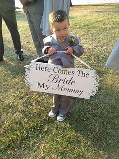 CUSTOM Wedding Signs Here Comes My MOMMY REVERSIBLE door familyattic