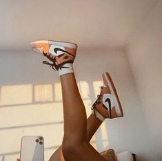 Jordan Shoes Girls, Girls Shoes, Sneakers Fashion, Fashion Shoes, Jugend Mode Outfits, Nike Shoes Air Force, Aesthetic Shoes, Cute Sneakers, Hype Shoes