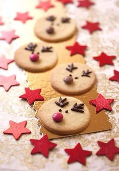 Sablés Rennes de Noël Alsace, Buffet, Food And Drink, Cookies, Baking, Desserts, Christmas, Natal Biscuit, Christmas Sweets