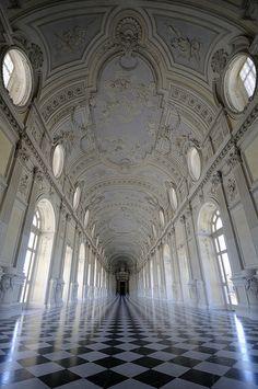 Galleria Grande - Reggia di Venaria by matteo | sartori, via Flickr
