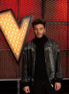 Auryn, Leather Jacket, Jackets, Fashion, Spanish Girls, 3 Boys, Singers, Studded Leather Jacket, Down Jackets