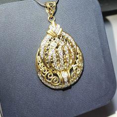 Liontin emas berlian Mode Islami. (Hrg cuci gudang).   Toko Perhiasan Emas Berlian-MJ,Jakarta +628118455779/DC9E309C Cp.Tri. #emas #berlian #investasi #fashion
