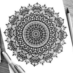 40 illustrated mandala drawing ideas and inspiration. Learn how you can draw mandalas step by step. This tutorial is perfect for all art enthusiasts. Mandala Doodle, Mandala Art Lesson, Doodle Art, Zen Doodle, Mandala Print, Mandala Design, Mandala Pattern, Zentangle Patterns, Zentangles