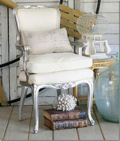 must remember this chair when doing a refurbishment. Like the silver.