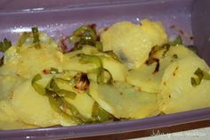 PATATAS PANADERA AL MICROONDAS Vegetarian Recipes, Healthy Recipes, Delicious Recipes, Easy Eat, Tasty, Yummy Food, Microwave Recipes, I Foods, Side Dishes