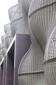 softly textured organic forms paired with precisely geometric forms Parametric Architecture, Parametric Design, Organic Architecture, Facade Architecture, Amazing Architecture, Modern Buildings, Beautiful Buildings, Thomas Heatherwick, Feng Shui