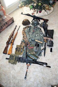 Facebook / Soldaten uniform / Weihnachtsgeschenk